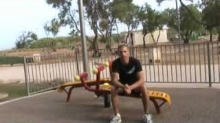 סרטון תרגילי בטן בעזרת במתקני הכושר בפארק