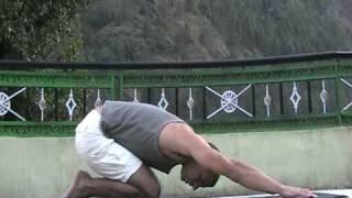סרטון המדגים ומסביר ביצוע רצף מתיחות שרירים